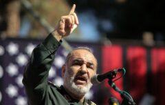 سردار سلامی: قادریم تمام پایگاههای آمریکا را اشغال کنیم