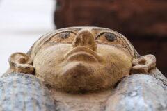 کشف ده ها تابوت ۲,۵۰۰ ساله در مصر حاوی بقایای مومیایی شده بدون مغز + ویدیو