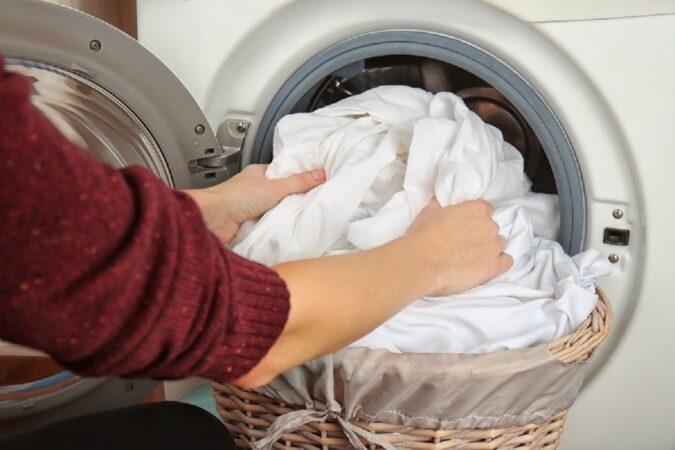 چند وقت یک بار باید ملحفه خود را بشوییم؟