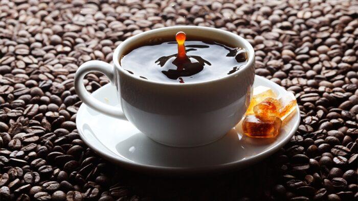 چرا قهوه مدفوع آور است؟