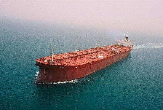 کشتی ایرانی در راه لبنان