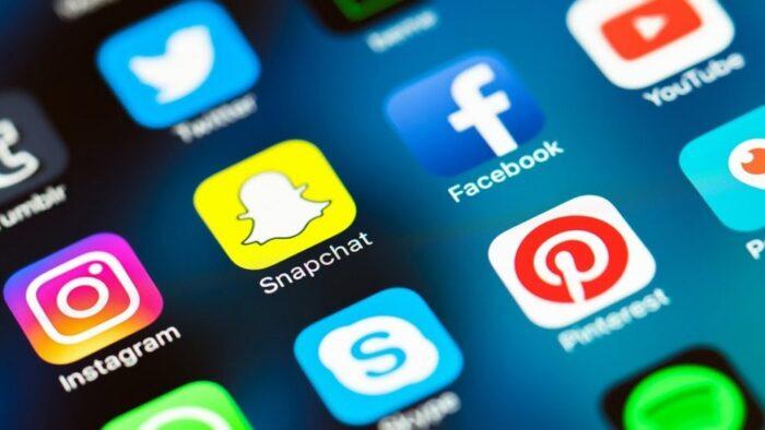 ۱۰ چیزی که بهتر است هنگام گذاشتن پست در شبکههای اجتماعی مراقبشان باشید