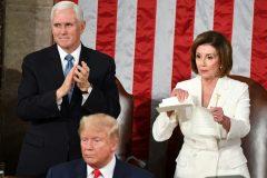 پلوسی متن سخنرانی ترامپ در کنگره را پاره کرد