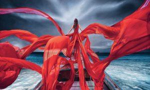 عکسهای بسیار جذاب از زنان و لباسهایشان در زیباترین مکانهای گردشگری دنیا