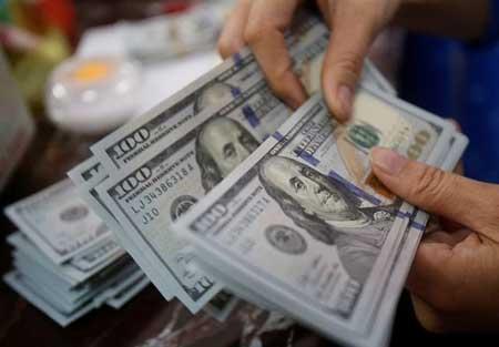 احتمال کاهش قیمت دلار تا مرز ۸ هزار تومان