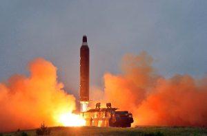 هر آنچه که در مورد موشک بالستیک قاره پیما باید بدانید