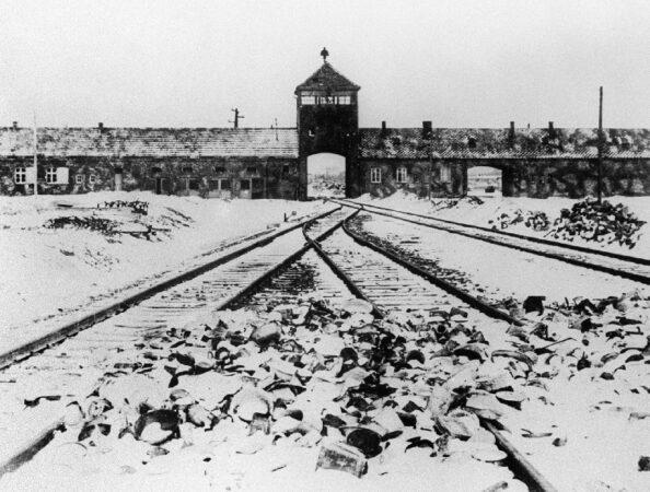 ۱۰ آزمایش هولناک و غیرانسانی پزشکان آلمان نازی روی زندانیان [قسمت دوم]