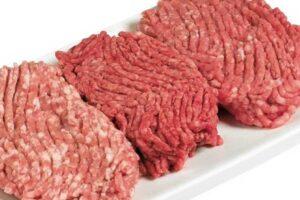 ۸ اثر مصرف گوشت گاو چرخ کرده بر بدن