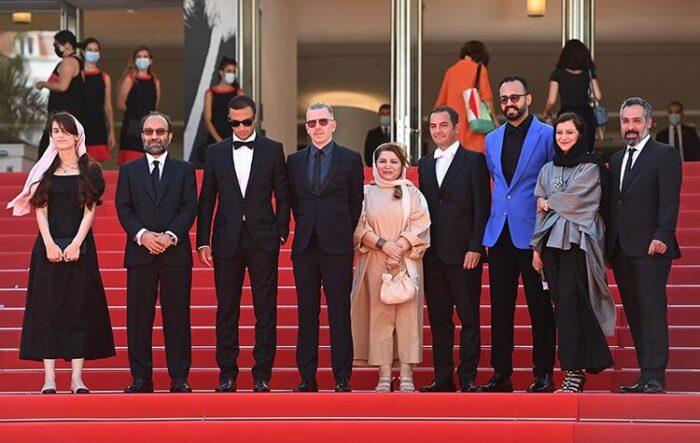 تشویق ۵ دقیقهای ایستاده در جشنواره کن برای فیلم «قهرمان» ساخته اصغر فرهادی + ویدیو