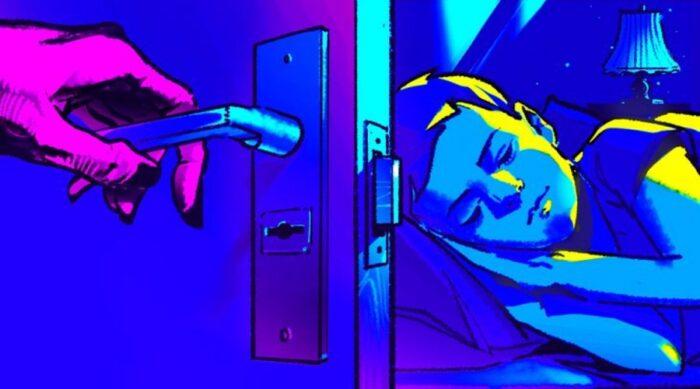 چرا شب ها نباید در اتاق خواب خود را باز بگذاریم؟