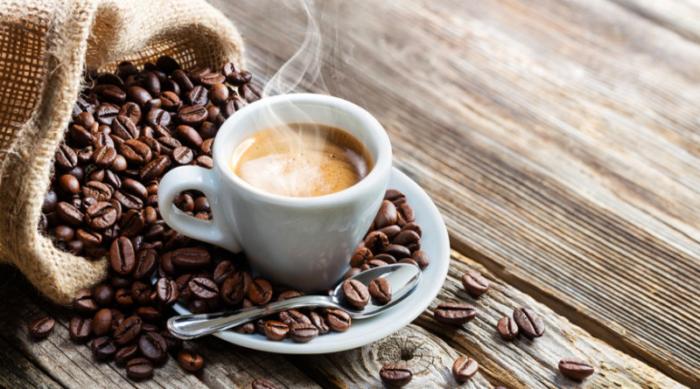 نوشیدن قهوه تا چند فنجان در روز مفید و بی خطر است؟