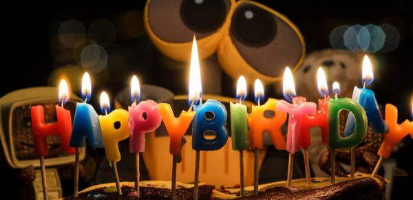 از این به بعد شمع کیک تولد خود را فوت نکنید