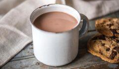 نوشیدن شکلات هوش را بیشتر می کند