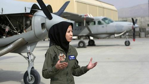 صفیه فیروزی، خلبان زن افغانستانی سنگسار شد!