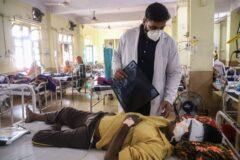 شیوع «قارچ سیاه» در میان بیماران کرونایی هند و تخلیه یک یا هر دو چشم برای زنده ماندن