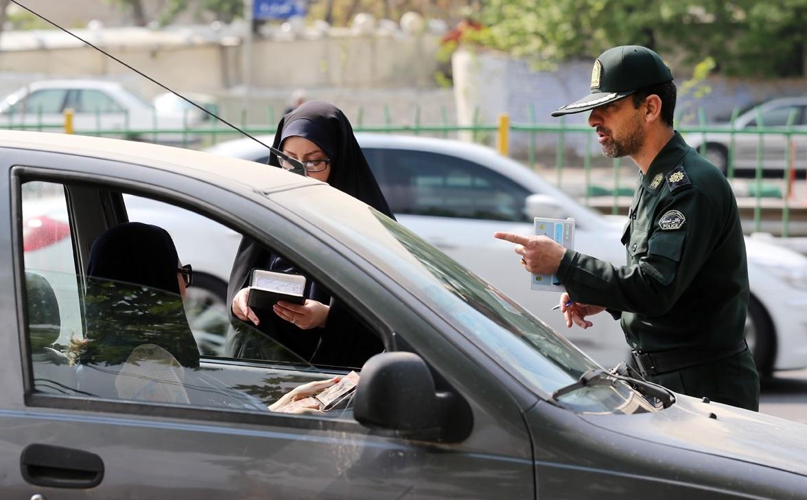 ارسال پیامک برای «بدحجابی در خودرو» آیا پیرو جذب حداکثری و دفع حداقلی می باشد یا برعکس!