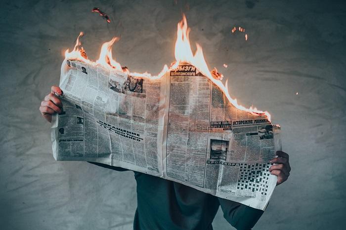 وقتی با اخبار بد بمباران می شویم چطور سلامت روان خود را حفظ کنیم؟