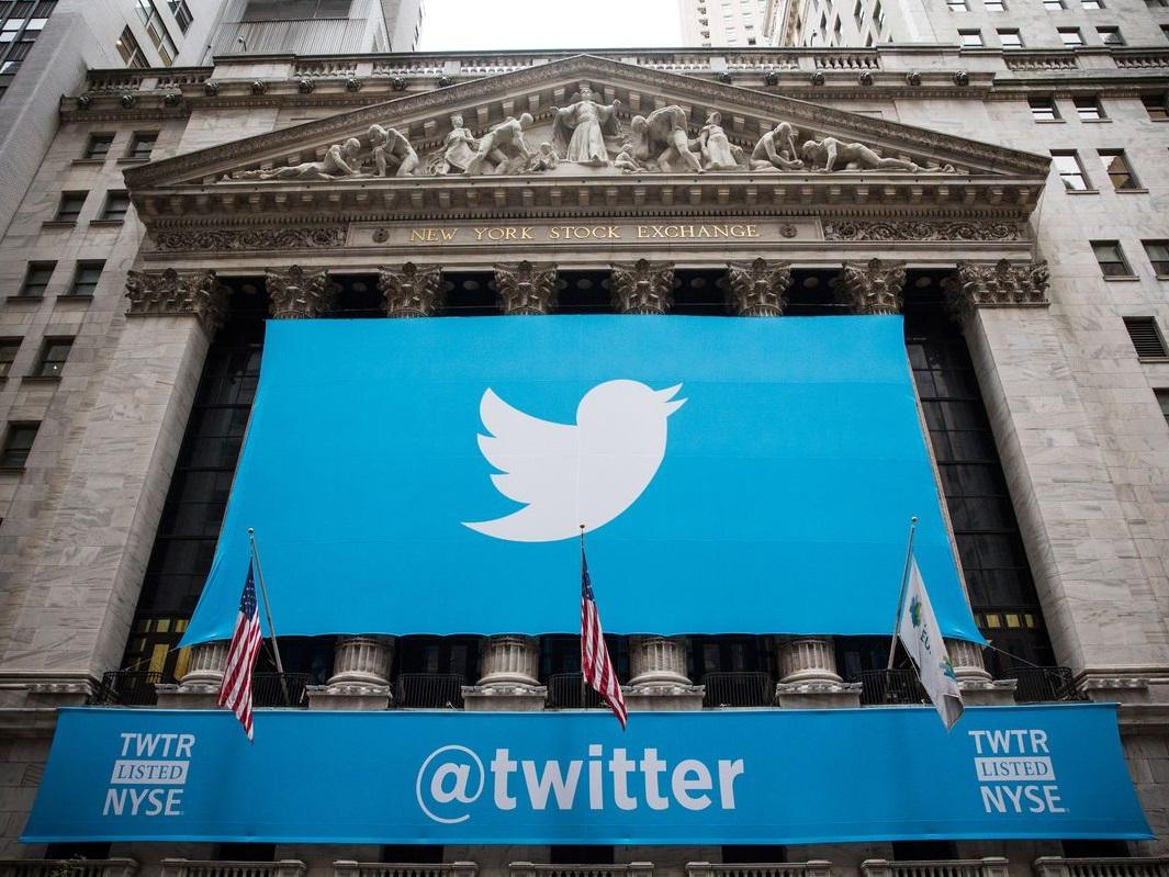 کمپین توییتری حمایت از تغییر نظام در ایران از حسابهای جعلی تشکیل شده / پستها مطابق با یک جدول زمانی مشخص ارسال میشوند / پنج حساب مهم این شبکه در طول چند سال روزانه ۱۰۰ توییت منتشر کرده اند؛ اکثر این توئیتها یکسان هستند / توییتر هزاران حساب جعلی این شبکه را حذف کرده؛ اکنون ۲۰۰ حساب باقی مانده / محتوای توئیتها مواضع منعکس میکند