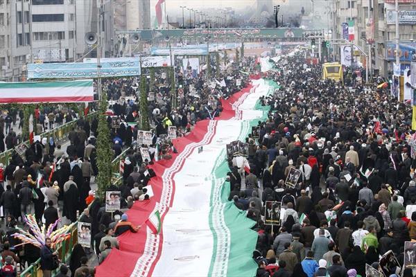 ایران تسلیم آمریکا نمیشود/ افزایش حمایت مردم از حکومت
